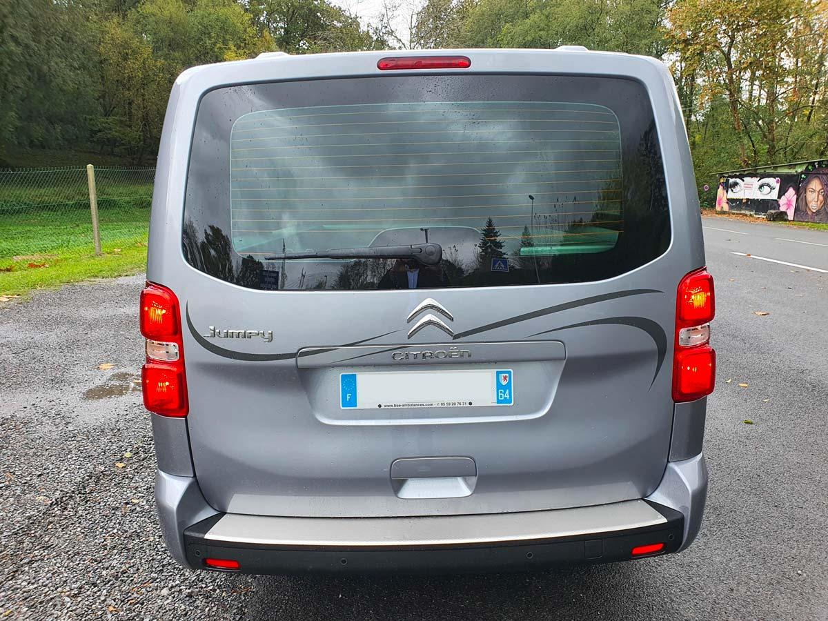 Véhicule funéraire Citroën Jumpy illustration